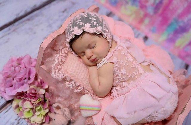 Mehmet Ali Erbil'ın kızı Sezin Erbil kızının yüzünü gösterdi - Magazin haberleri