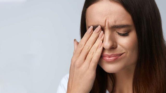 Dünya bu araştırmayı konuşuyor: Koronavirüsü yenen hastaların gözlerinde nodül oluşuyor