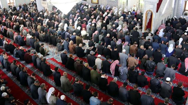 23 Nisan kısıtlamasına denk gelen cuma namazı camilerde kılınacak mı? Merak edilen soru yanıt buldu